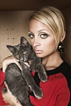 Style of - Nicole Richie Nicole Richie, Richie Rich, Celebrities With Cats, Celebs, Crazy Cat Lady, Crazy Cats, Protruding Eyes, Cat People, Beautiful Cats