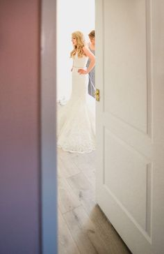 Dakota by Enzoani Lace Gown Dress Bride Bridal Classic Rustic Country Barn Wedding…