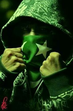 Happy Independence Day Pakistan, Independence Day Pictures, Pakistan Defence, Pakistan Armed Forces, Dark Background Wallpaper, Army Wallpaper, 14 August Pics, Pak Army Quotes, Eid Mubarak Photo