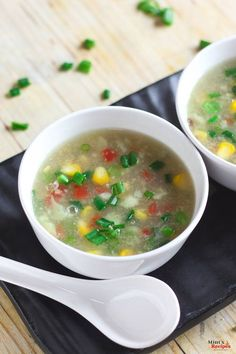 Sweet corn soup with step by step photo Corn is a monsoon food in Kolkata. You can see a lot of bhutta or roasted corn. Soup Recipes With Vegetable Stock, Corn Soup Recipes, Breakfast Snacks, Breakfast For Dinner, Breakfast Ideas, Sweet Corn Soup, Mint Recipes, Yummy Recipes, Recipies