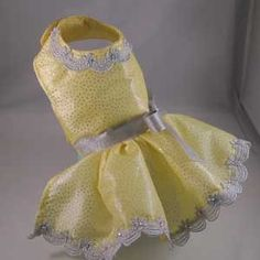 Artfire Christmas Party Dog Dress for Small Dogs.....for my stylin' mini dachshund! <3