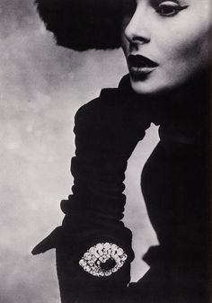 Lisa Fonssagrives in Christian Dior - 1950 - Photo by Irving Penn