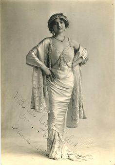 Dianette Alvina, 1911