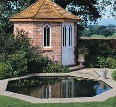 Octagonal shape gives more options for a wide and shallow back yard