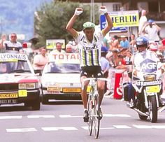 Fabio Enrique Parra. Quienes lo antecedieron en el podio del TdF 1988 (Perico Delgado y Stephen Rooks) fueron despojados de sus títulos por dopaje.