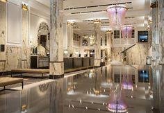 Was bleibt, wenn berühmte Hotels ihren Glanz verlieren? Ihre Persönlichkeit und viele Geschichten. In Hamburg wurdendaher gerade rund 30Millionen Euro in den über hundert Jahre alten Reichshof investiert.