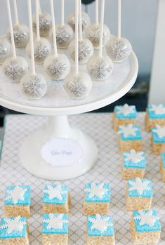Winter wonderland party - cake pops and rice krispie treats
