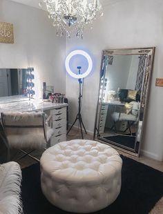 40 Creative DIY Makeup Vanity Design Ideas That'S Inpire &; Architecture Designs 40 Creative DIY Makeup Vanity Design Ideas That'S Inpire &; Architecture Designs Liz ⚡️ Rooms 40 Creative DIY Makeup […] for home diy creative Diy Makeup Vanity, Makeup Vanities, Makeup Vanity In Bedroom, Vanity Room, Vanity Mirrors, Vanity Tables, Vanity Set Up, Big Mirrors, Mirror Mirror