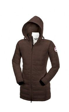 The Canada Goose Women's Kensington Parka marries luxurious style with high-tech performance to keep you warm and looking great in even the coldest temperatures. Wear this fashionable jacket around town during Park City's film festival or through Manhattan during an NYC blizzard.