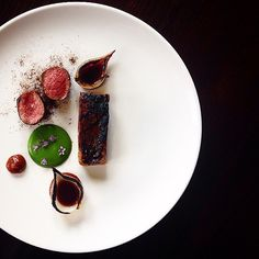 Short rib, filet, onion, and watercress by @chefdanielwatkins #TheArtOfPlating