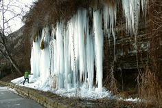 2012-02-07: frozen waterfall