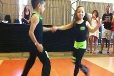 lustiger Clip 'Israeli Tanzkurs.mp4'- Eine von 60152 Dateien in der Kategorie 'Lustiges' auf FUNPOT. Kommentar: Tanzkurs
