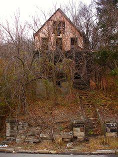 Abandoned in McKeesport, Pennsylvania Abandoned Property, Old Abandoned Houses, Abandoned Castles, Abandoned Mansions, Abandoned Buildings, Abandoned Places, Old Houses, Abandoned Vehicles, Spooky Places