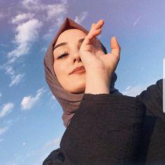 Good morning world . Hijabi Girl, Girl Hijab, Hijab Outfit, Stylish Hijab, Hijab Chic, Muslim Girls, Muslim Women, Hijab Mode, Hijab Makeup