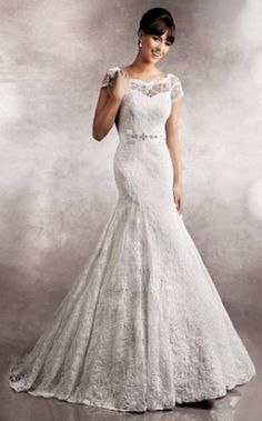 326-Boat neck Lace fishtail gown with sleeves