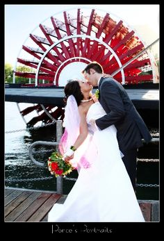 The Delta King provides a number of photo ops! #bride #oldsac #wedding #venue