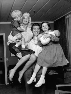 Jane Mansfield And Family......our Family Was On Vacation And