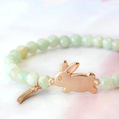 Voorjaarsarmbandje met DQ metalen konijntje #bunny #konijn #jewelry