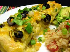 Green Chicken Enchilada - Very easy to make! Chicken and Monterey Jack Cheese filled flour tortillas topped with green enchilada sauce. I make Mexican Rice to serve on the side. Green Chicken Enchiladas, Green Chili Chicken, Chicken Enchilada Casserole, Enchilada Ingredients, Enchilada Recipes, Easy Cloud Bread Recipe, Green Enchilada Sauce, Mexican Food Recipes, Mexican Dishes