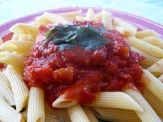 http://turbigo-gourmandises.blogspot.fr/2011/04/penne-sauce-tomate-mozzarella.html
