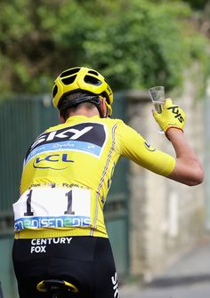 Chris Froome celebrates on stage 21 Tour de France 2016 /Getty Images