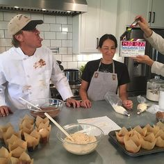 See photos inside Chip and Joanna Gaines's new restaurant Magnolia Table—and find out everything else we know about the business being featured on 'Fixer Upper. Gaines Fixer Upper, Fixer Upper Joanna, Magnolia Fixer Upper, Fixer Upper Tv Show, Fixer Upper House, Chip Gaines, Chip And Joanna Gaines, Magnolia Table Restaurant, Magnolia Farms