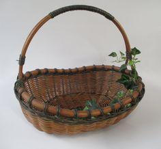 Basket, Vintage Gathering Flower Garden Party Wedding Harvest Natural Brown…