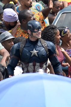CAPTAIN AMERICA: CIVIL WAR Set<< DOES HE GET A NEW SUIT EVERY MOVIE SERIOUSLY