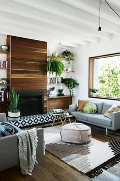 Tour a Sydney beach house a year in the making. Photography by Brigid Arnott. Styling by Kerrie-Ann Jones. From the September 2017 issue of Inside Out Magazine. Available from newsagents, Zinio, https://au.zinio.com/magazine/Inside-Out-/pr-500646627/cat-cat1680012#/ and Nook.