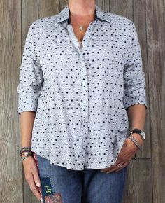 Nice Foxcroft Blouse 16w size Black White Shaped Wrinkle Free Womens Top Plus Shirt