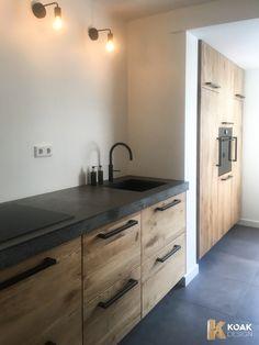 Industrial Kitchen Design, Luxury Kitchen Design, Kitchen Cabinet Design, Kitchen Redo, Interior Design Kitchen, Kitchen Remodel, Modern Kitchen Interiors, Concrete Kitchen, Kitchen Stories