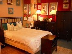 https://i.pinimg.com/236x/a5/58/34/a55834ebd09b5e4637bddf8002e6d360--bedroom-sets-bedrooms.jpg
