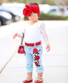 Europe and united states Kids Baby Girls Flower Lace Tops Jeans Pants Hot Vintage Kids Clothes Outfits - fashion style 2018 Baby Girl Fashion, Fashion Kids, New Fashion, Jean Outfits, Girl Outfits, Fashion Outfits, Clown Pants, Vintage Kids Clothes, Jean Top