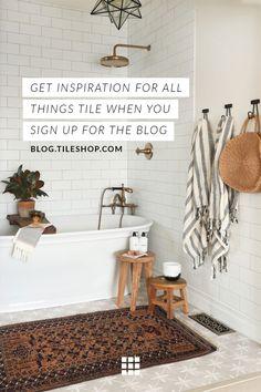 simple ideas for bathroom decor. - - Wood table DIY simple ideas for bathroom decor. Boho Bathroom, Chic Bathrooms, Simple Bathroom, Bathroom Ideas, Bathroom Vintage, Bathroom Towels, Master Bathroom, Bathroom Basin, Washroom