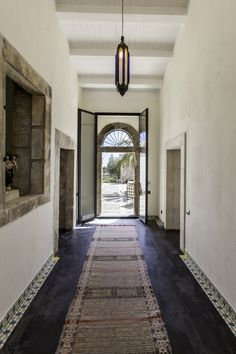 Beautiful ceramic tiles and lava stone floor - Sicilian tradition meets oriental inspiration at villa Otiosa | The Thinking Traveller Photography by Chiara Cochi