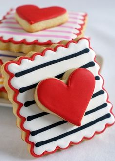 valentine's day cookies yummy Repinned By:#TheCookieCutterCompany