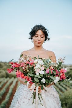 Bride and pink wedding bouquet – Antonio Lucá Photographer | How to Plan an Elopement in Italy - Belle The Magazine Wedding Ceremony Decorations, Wedding Centerpieces, Wedding Bouquets, Wedding Flowers, Wedding Dresses, Popular Flowers, Sophisticated Bride, Vineyard Wedding, Summer Flowers
