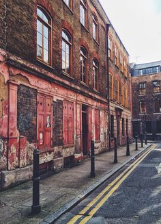 Princelet Street, Spitalfields. Once home to my great (great?) grandmother's family. Processed with VSCOcam with f2 preset