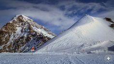 Fascination of #Switzerland: #Jungfraujoch auf 3'471 m ü. M. - #TopofEurope - Enjoy: https://youtu.be/0JTb5xW4S-s  - https://www.youtube.com/channel/UCU8oI15ET4xMuM1kGyots8A