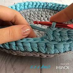 """1,184 Likes, 28 Comments - rose oliveira (@roseoliveira_tartes) on Instagram: """"Mais uma aulinha...ponto lindo #videoaulas #crochet #fiosdemalha #basket #trapillo Via @s.o.v.knit"""""""