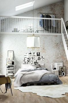 30 interiors and white brick walls for trendy home.The white color is ideal as a base in almost every aspect of the space design. Loft Style Bedroom, Master Bedroom Design, Trendy Bedroom, Bedroom Designs, Brick Wall Bedroom, Brick Wall Decor, Loft Design, House Design, Wall Design