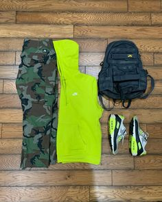 "Sir P. Sucio on Instagram: ""Rainy NYC day @nikesb Camo Cargos @nikesportswear Club Fleece Hoody @nike air max 90 Volt 2012 @nikesb back pack #outfitgrid #nike…"""