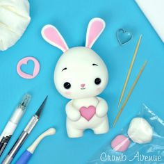 Ideas for cake white fondant polymer clay Cute Polymer Clay, Polymer Clay Animals, Cute Clay, Polymer Clay Crafts, Novelty Birthday Cakes, Cake Birthday, Fondant Cake Toppers, Cupcake Toppers, Fondant Cat