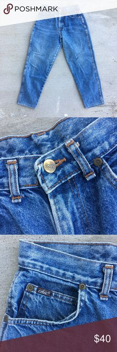 """Mom Jeans Sz 28 Brand Chic Vintage Jeans Tagged Size 12 Petite  Style Cropped Jeans  Capri, High Waterrs, Show your shoes off 👠👠 Color Blue Jeans  Waist 14"""" Across  Rise 12""""  Hips 21.5""""  Inseam Measures 24.5""""  Perfectly Blue Faded Wash Made in the USA  High Waisted Mom Jeans Excellent Condition #vintage #chic #jeans #90s #highwaisted #highrise #highwaistjeans #momjeans #madeintheusa #kawaii #cropped #posh Jeans Ankle & Cropped"""