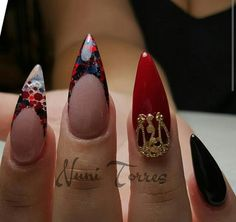 Nails by Nuni Torres