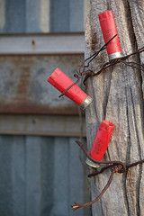 Shotgun shells - barbed-wire for end of hallway, mirror