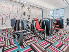 Tour the fitness center and terrace at State & Chestnut apartments – YoChicago