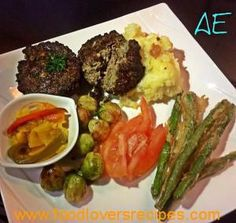 Elize se liplekker lewerkoekies Liver Recipes, Diabetic Recipes, Beef Oxtail, How To Read A Recipe, Good Food, Yummy Food, Fish And Meat, South African Recipes, Food To Make