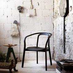Evoque Chair by Miniforms #design #furniture #pin_it @mundodascasas www.mundodascasas.com.br