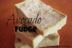 Vegan Avocado Fudge      1 avocado      1 ripe banana      2-3 soaked dates      1 tsp of vanilla flavor